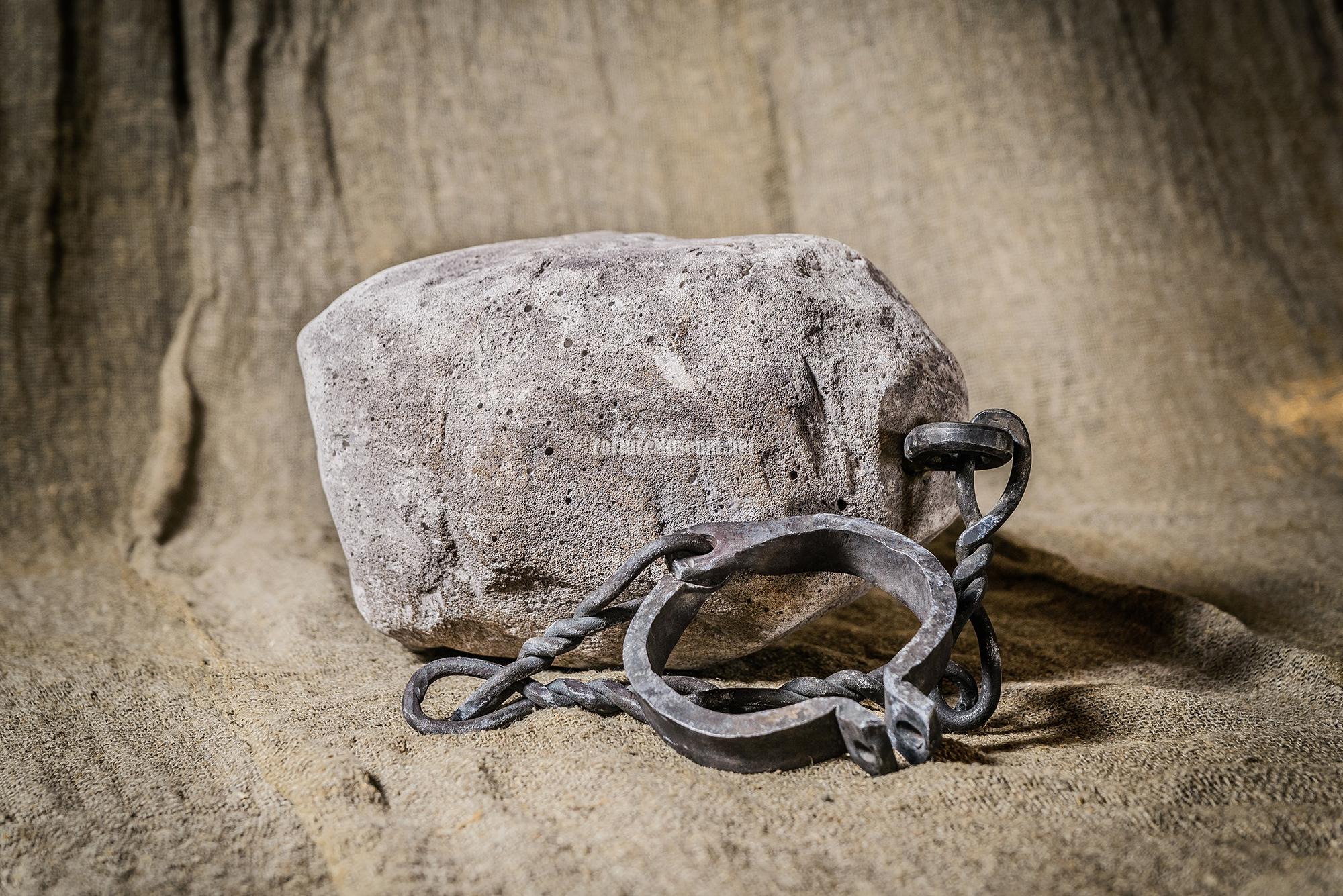 Кандалы и цепи на рабах фото 696-914